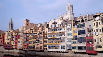 Excursion guidée d'une journée complète à Gérone et Figueres avec musée Dal...