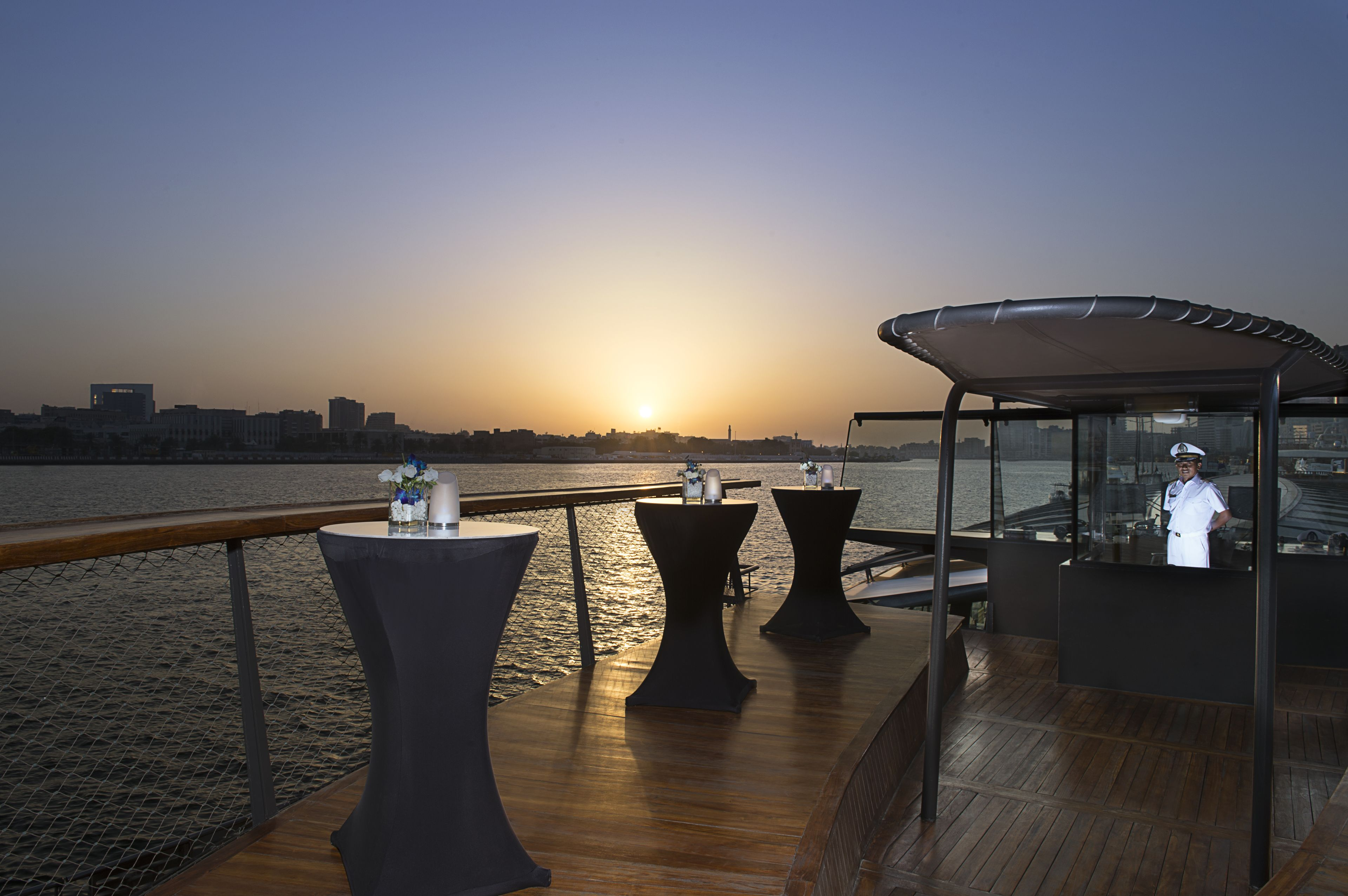 Bateaux Dubai middagskryssning