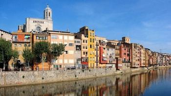 Heldagstur till medeltida Girona och Costa Brava
