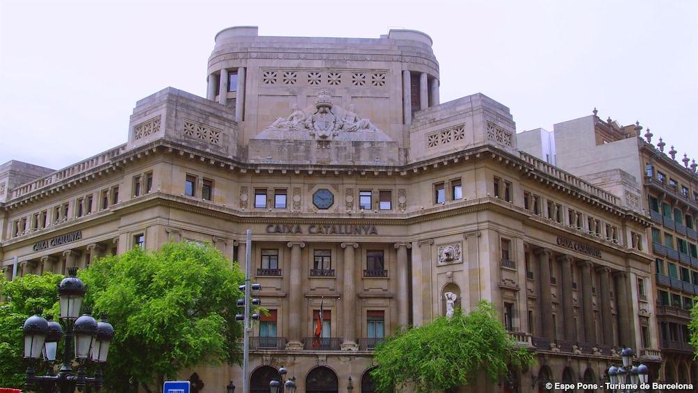 Öppna foto 3 av 10. The Palau de la Generalitat historic palace in Barcelona,
