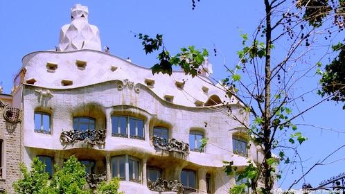 building on Passeig de Gràcia in Barcelona