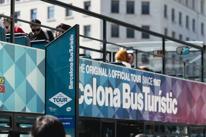 Barcelona Hop-On Hop-Off Bus Tour by Bus Turistic
