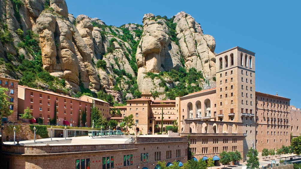 Charger l'élément 2 sur 5. Santa Maria de Montserrat Abbey in Montserrat, Spain