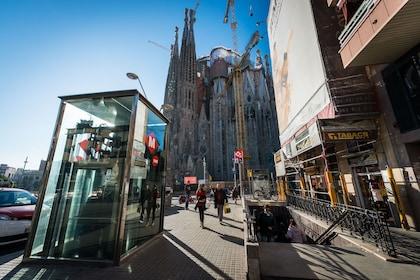 Hola Barcelona : Barcelona Unlimited Transport Card