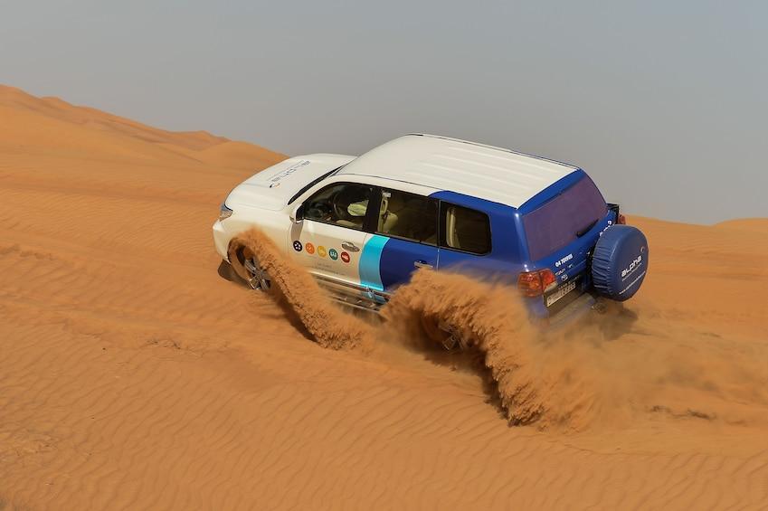 Foto 1 van 6. Private Dubai Morning Desert Safari