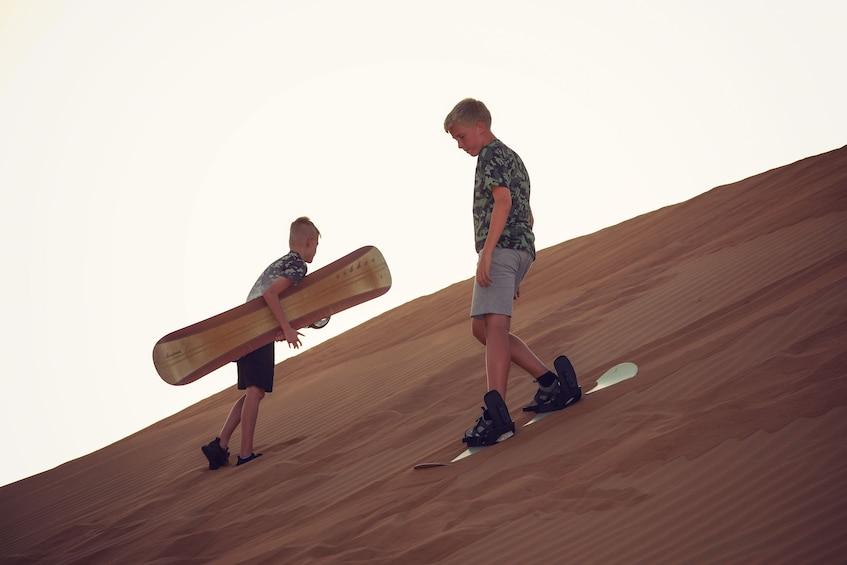 Foto 5 van 6. Private Dubai Morning Desert Safari