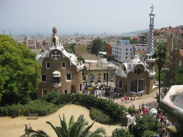 Skip-the-Line Park Güell Tickets and Guided Tour