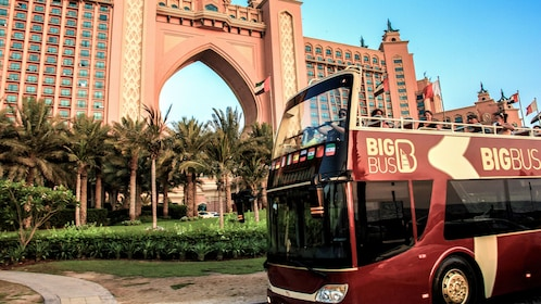 double decker tour bus outside the Atlantis hotel in Dubai