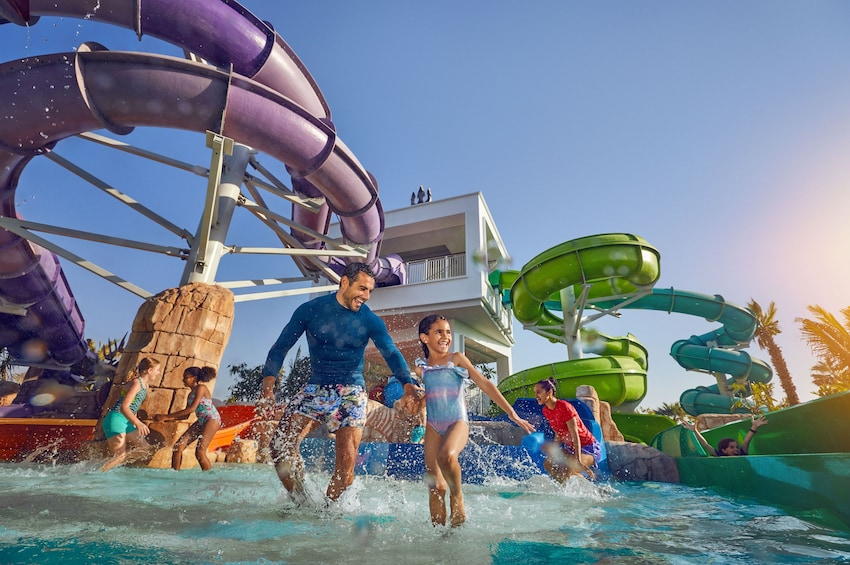Apri foto 3 di 12. Aquaventure Waterpark & Lost Chambers Aquarium Combo Ticket