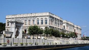 Cruzeiro no Bósforo e o Palácio de Dolmabahçe