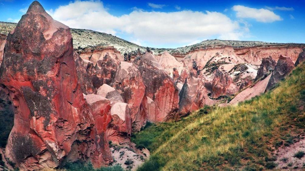 Cargar foto 1 de 5. Rock formations and landscape of Cappadocia