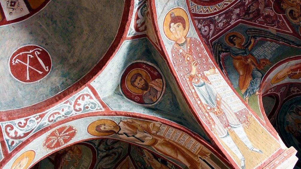 Cargar foto 4 de 5. Interior building design in Cappadocia