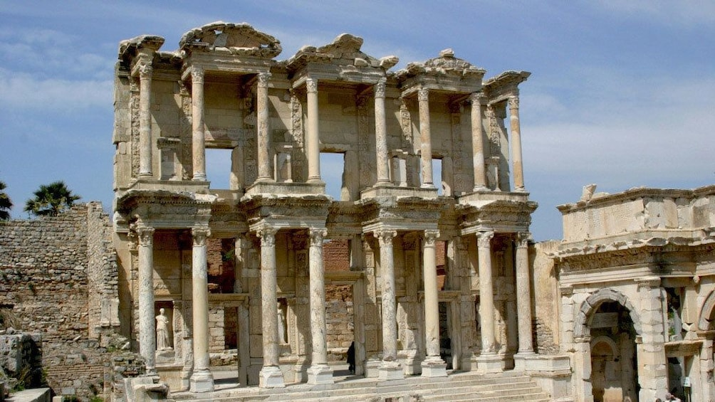 The library of Celsus an ancient Roman building in Selçuk