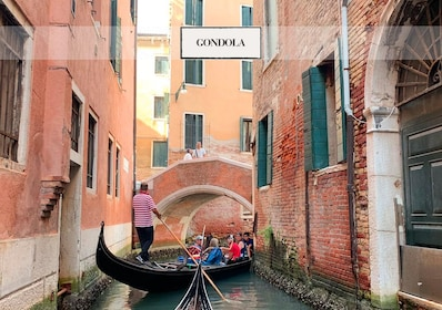 Gondola serenade on Canal Grande with romantic dinner
