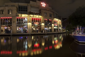 Hard Rock Cafe Amsterdam Dining with Priority Seating
