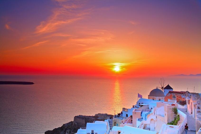 Charger l'élément 2 sur 10. 2-Day Santorini Island Trip from Athens