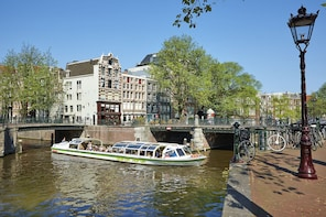 Amsterdam Hop-On Hop-Off Boat Pass