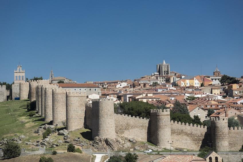 Öppna foto 4 av 8. Avila With Walls & Segovia - Full Day Tour from Madrid