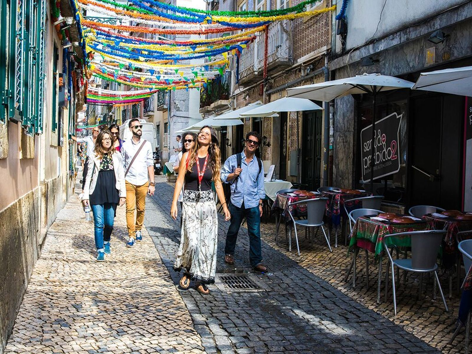 Experience Lisbon: Walking Tour with Local Food Tastings