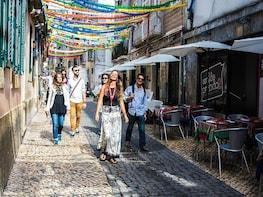 Lisboa: passeio com comida e bebida em grupo pequeno, com um guia local