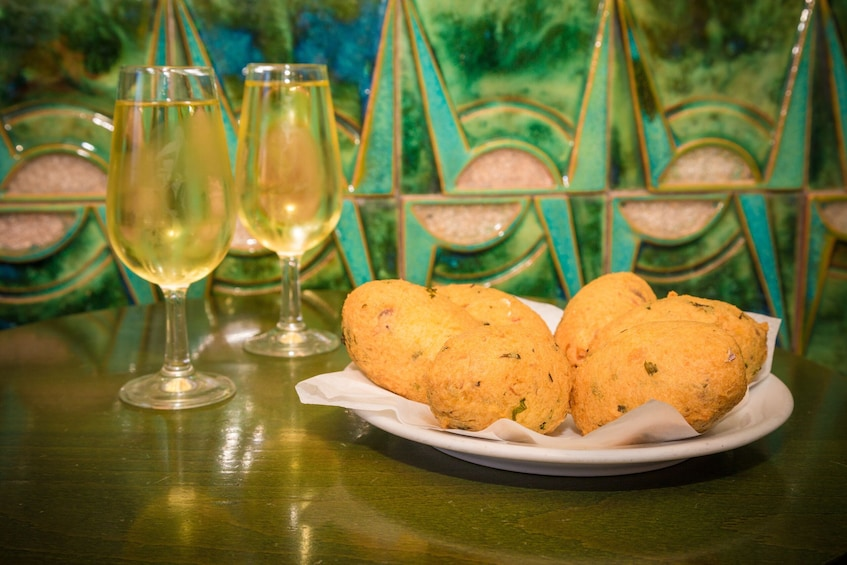 Food & Wine Small-Group Walking Tour