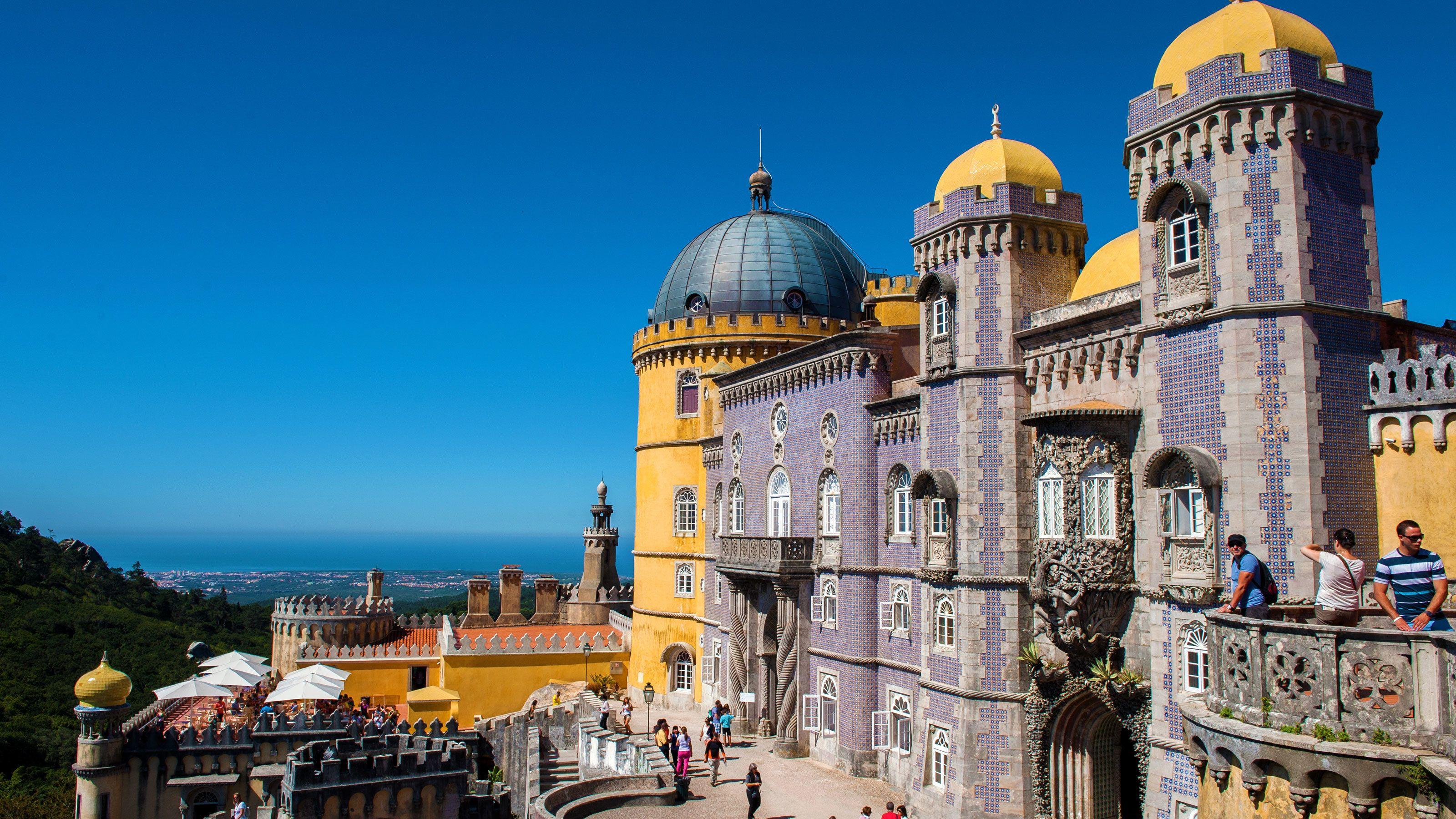 Sintra, Cascais & Estoril Small-Group Full-Day Tour