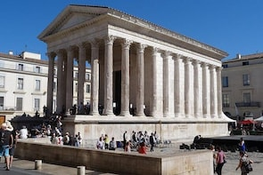 Small Group 6 hours Privat Tour of Nimes