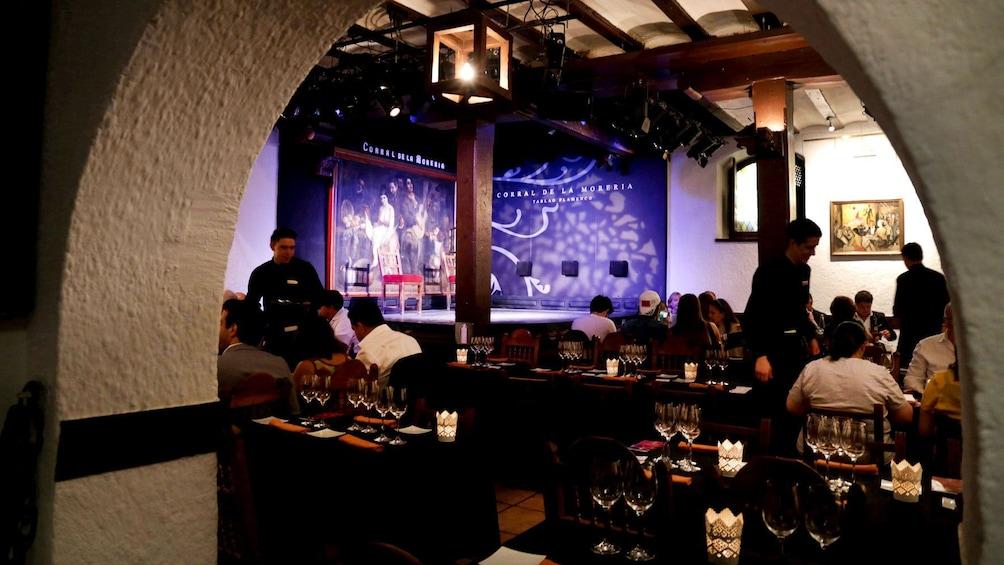 Apri foto 10 di 10. View of tables and stage at Corral de la Moreria in Madrid