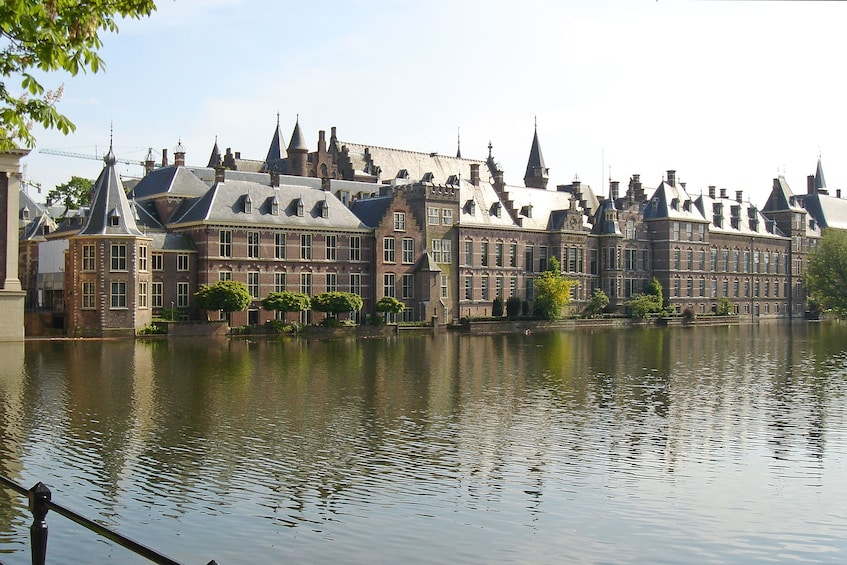 Foto 2 van 10. Rotterdam, Delft & The Hague Full-Day Tour from Amsterdam