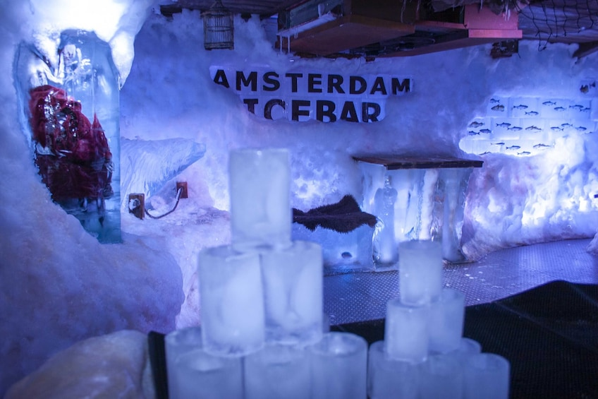 Åpne bilde 10 av 10. Amsterdam XtraCold Icebar Tickets with Drinks