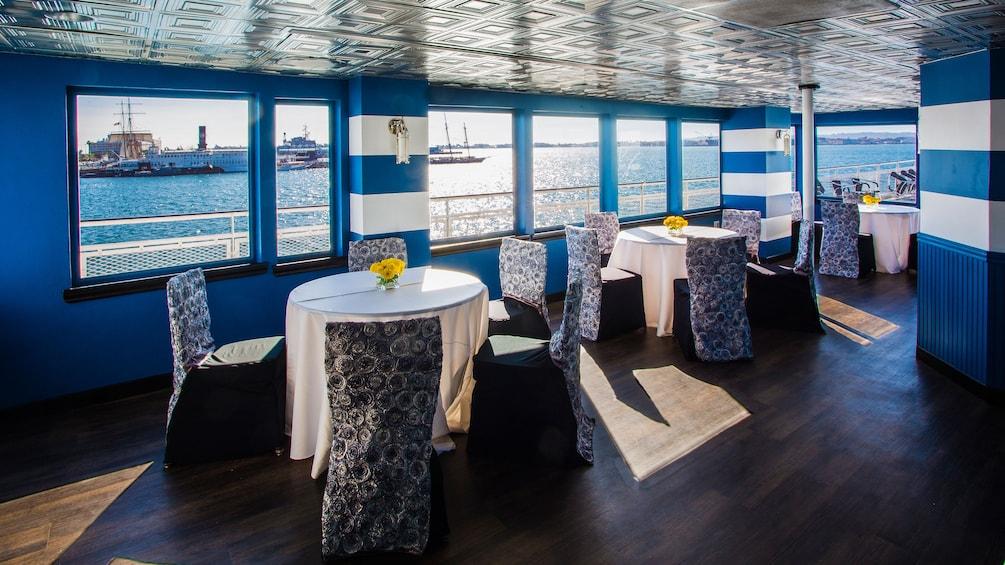 Cargar foto 3 de 4. Inside a San Diego cruise boat