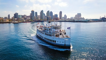 Dine & Cruise on the San Diego Bay