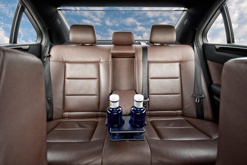 Show item 4 of 4. MB E-Class interior