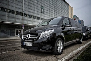 Luxembourg LUX Arrival Private Transfer to Luxembourg City in Luxury Van