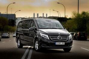 Departure Private Transfer Salamanca to Madrid Airport MAD in Luxury Van
