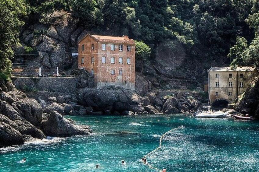 Show item 4 of 6. Genoa, Italy