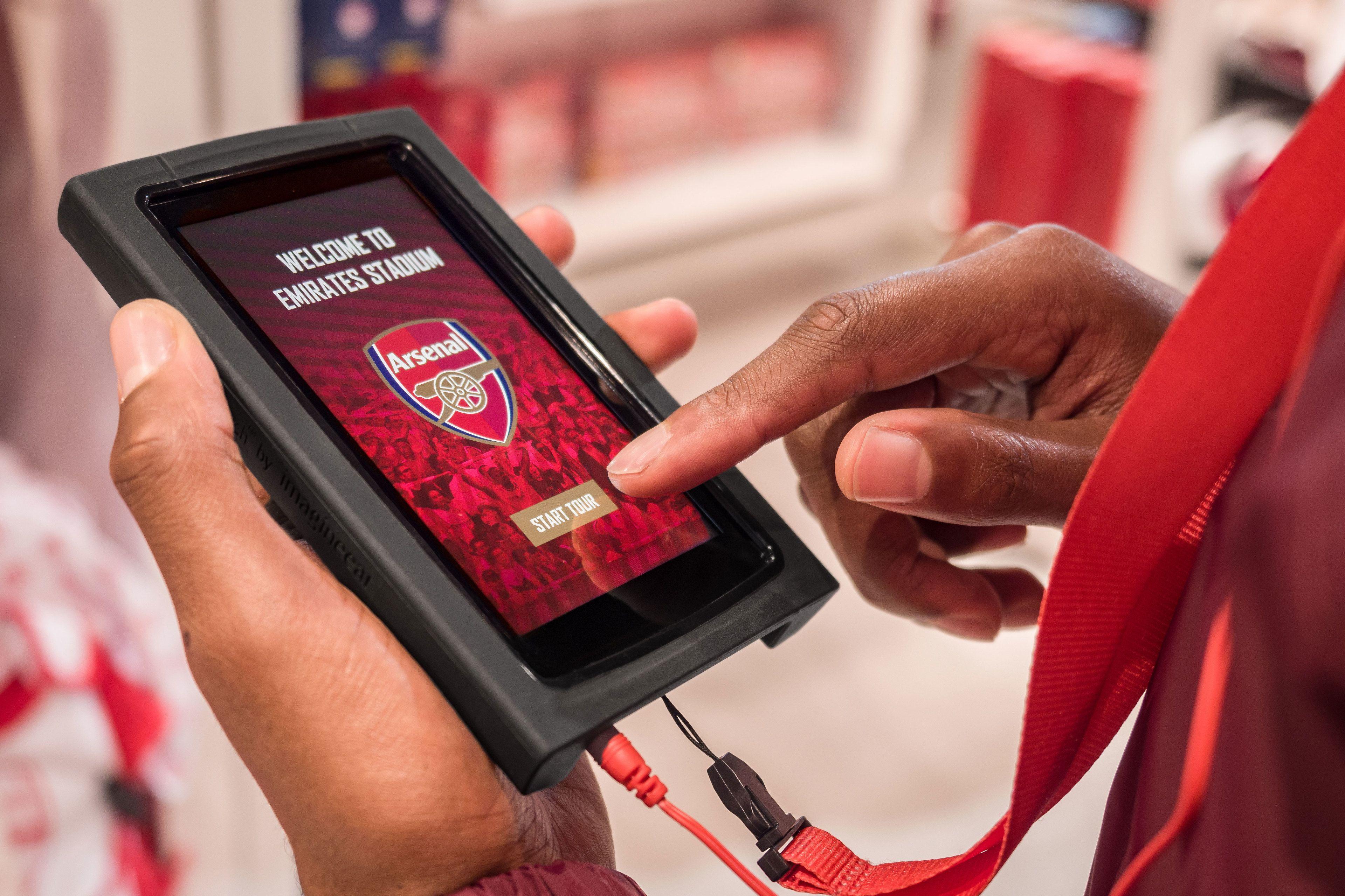 Emirates-Stadium-Tour-Tour-Handset.jpg