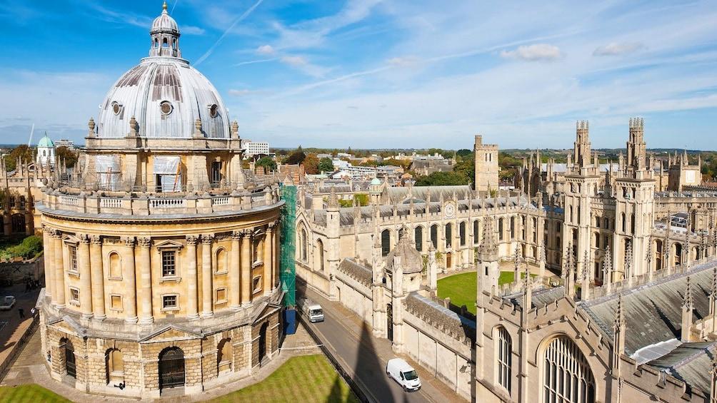 Charger l'élément 1 sur 10. Cambridge University in London