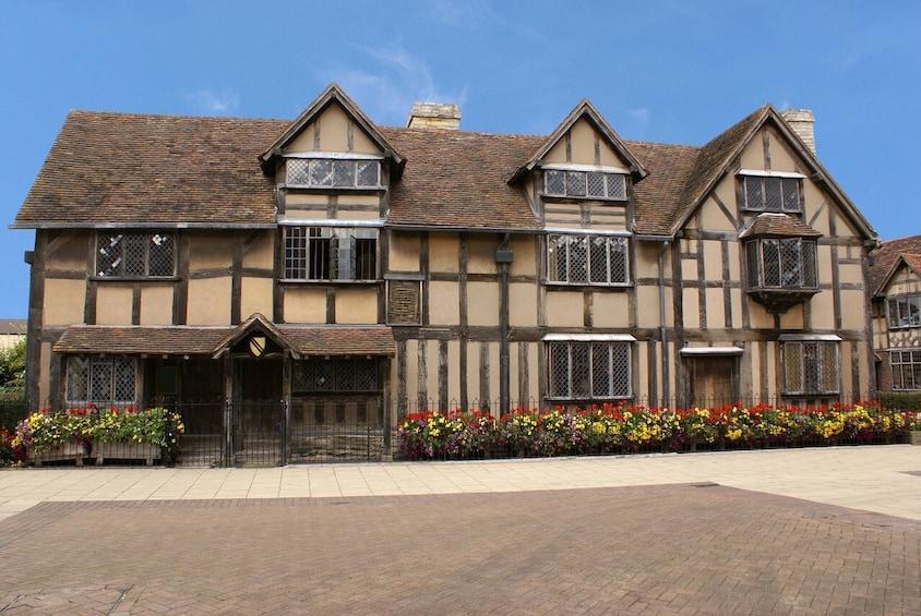 Warwick Castle, Stratford-upon-Avon & Oxford