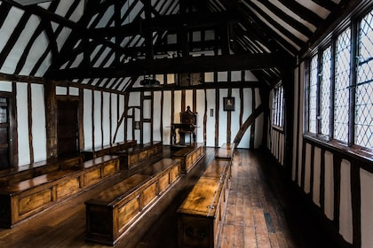 Shakespeare's Schoolroom & Guildhall_Tudor Schoolroom_landscape_Sara Beaumont photography.jpg