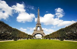 Fully guided Paris Day Trip with Cruise & Eiffel Tower Lunch
