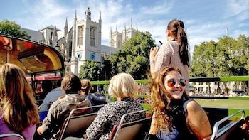 Vintage Double-Decker London Bus Tour with River Cruise