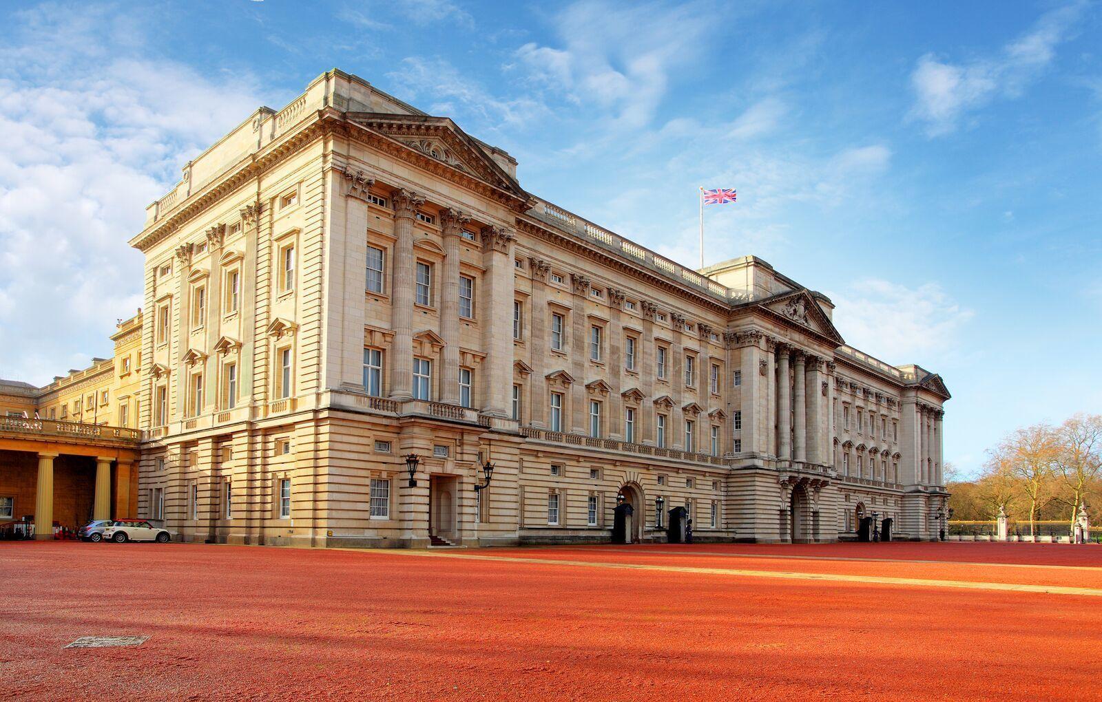 bigstock-London--Jan---Buckingham-P-61043792_preview.jpeg