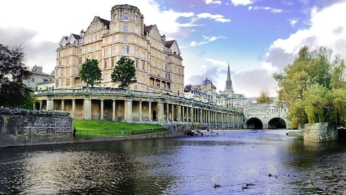 Pulteney weir and river view in London