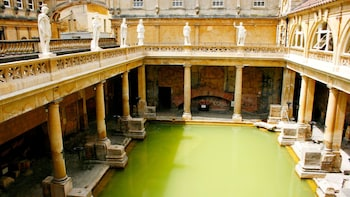 Roman Bath & Ancient Stonehenge Full-Day Tour