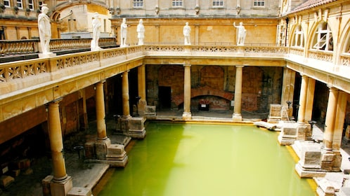 Great Roman Bath House in London
