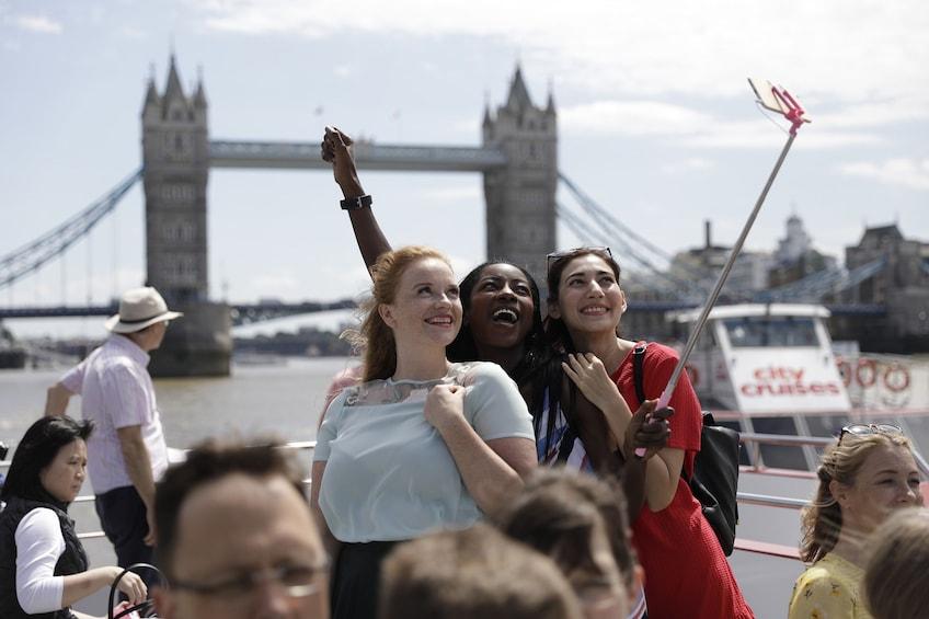 24 Hour Hop-On Hop-Off River Thames Cruise