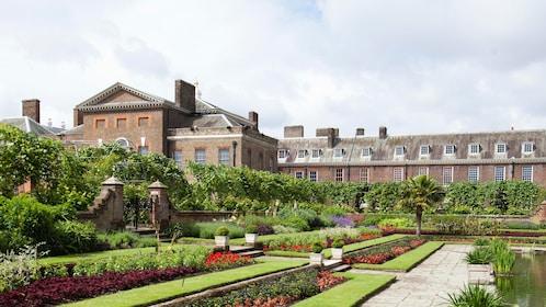 giant flower garden behind Kensington Palace in London