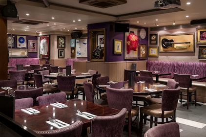 Hard Rock Cafe London Dining with Priority Seating