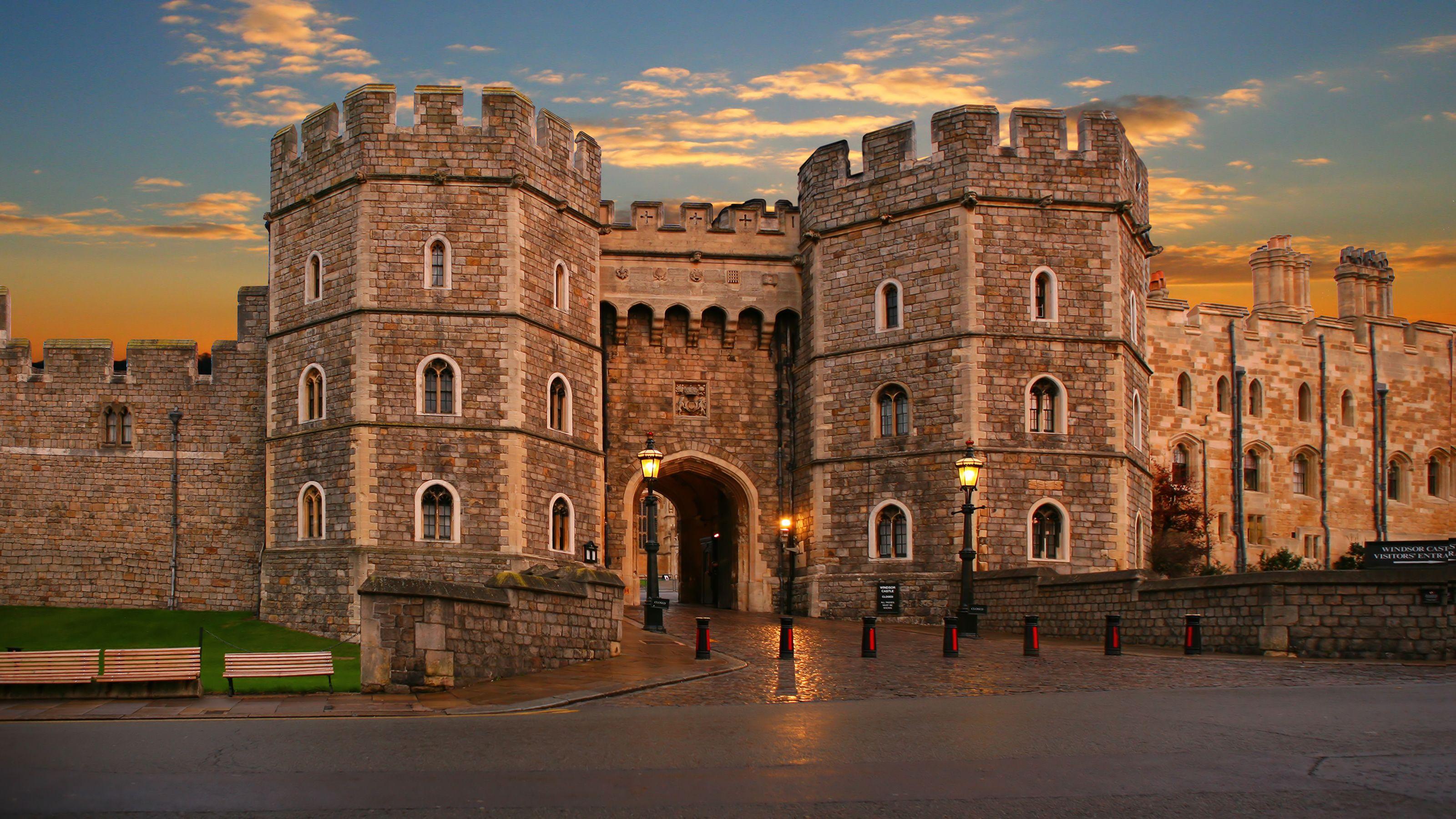 sunset at Windsor Castle in London
